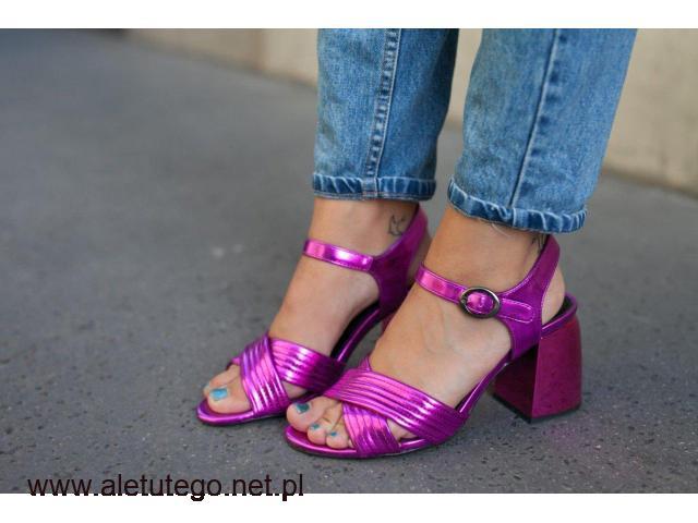 Prześliczne sandały na słupku ze sklepu Zapato